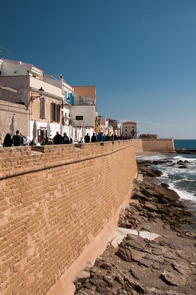 Alghero, Marco Polo ramparts. Alghero, bastione Marco Polo.