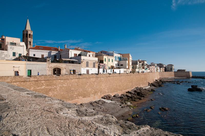 Sardinia, Italy, Alghero: view of the old town - Alghero, bastioni del centro storico