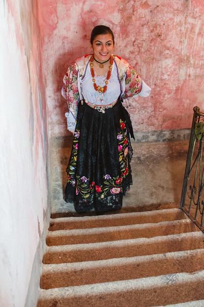 Oliena (NU), Italy, 15.09.2013. Cortes Apertas. Una ragazza indossa il costume tradizionale di Oliena.