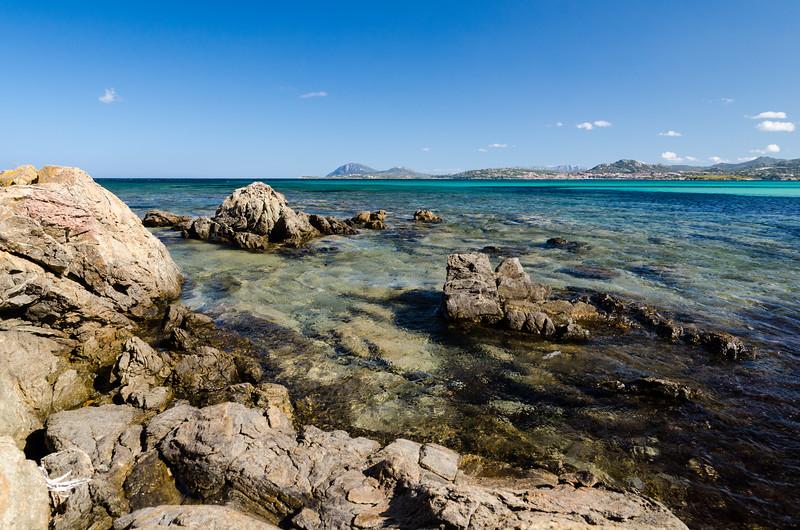 Costa Smeralda: Rena Bianca beach. Spiaggia Rena Bianca, nei pressi di Portisco.
