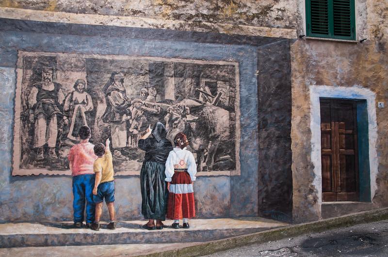 Fonni: Murales dipinti sui muri del paese barbaricino.