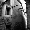 Fonni: scorcio di vecchie abitazioni nel centro storico del paese