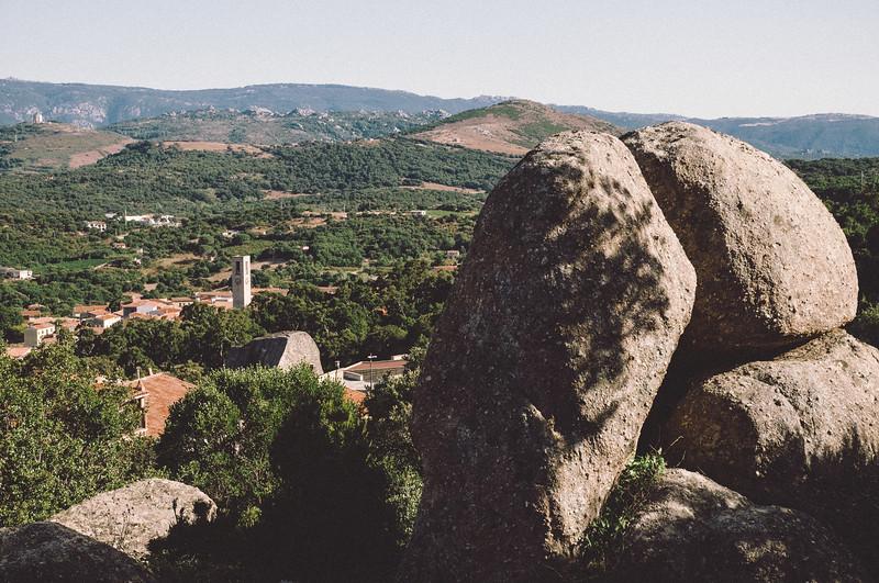 Aggius, formazioni granitiche nei pressi del paese gallurese.