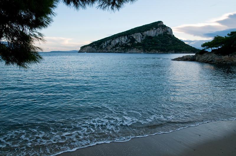 Sardinia, Italy, Golfo Aranci: Cala moresca bay and Figarolo Island at sunset - (ITA) Sardegna, Golfo Aranci, Cala Moresca e l'isolotto di Figarolo al tramonto