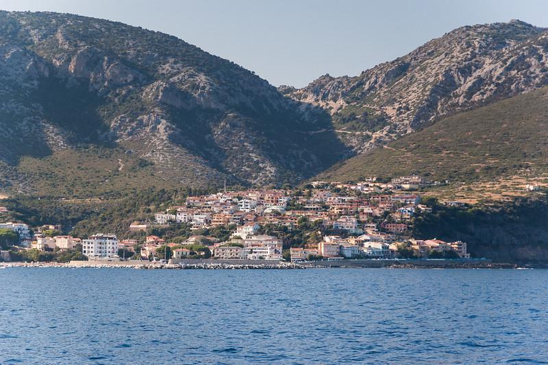 Sardinia, Italy: Orosei gulf, Cala Gonone town viewed from the sea. - Sardegna, Golfo di Orosei: Cala Gonone vista dal mare