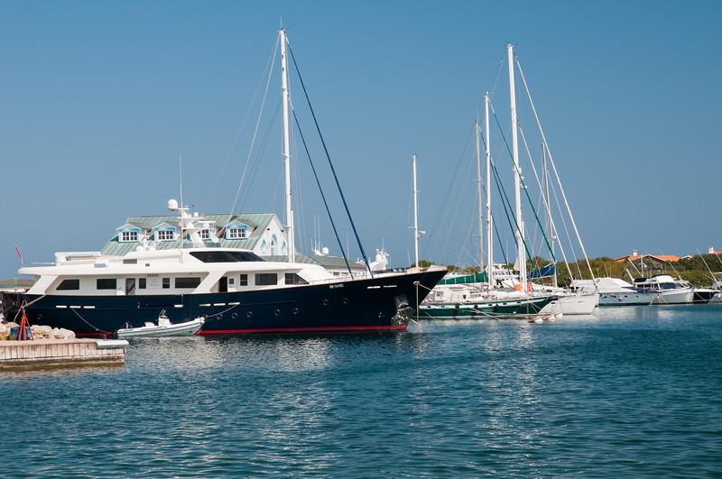 Porto Rotondo: yachts ormeggiati al porto turistico