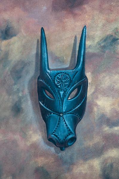 Ottana: murales nel centro del paese raffiguranti le maschere tradizionali.