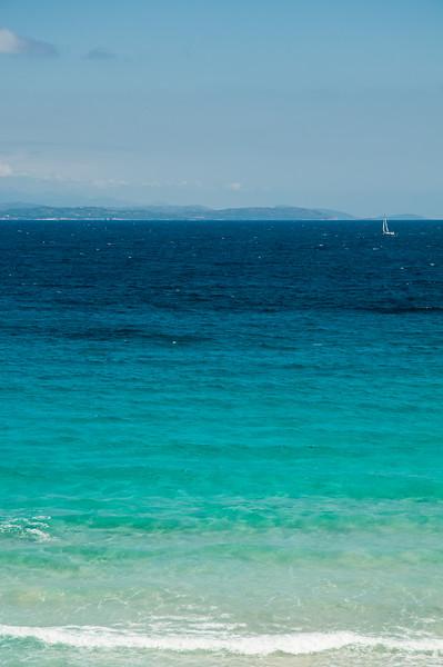 Santa Teresa Gallura: bocche di Bonifacio. In lontanza si può notare la costa della Corsica