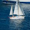 Santa Teresa Gallura: barca a vela naviga verso il porto