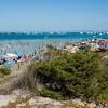 Stintino: spiagga della Pelosa, nei pressi di Capo Falcone, affollata di bagnanti in agosto.