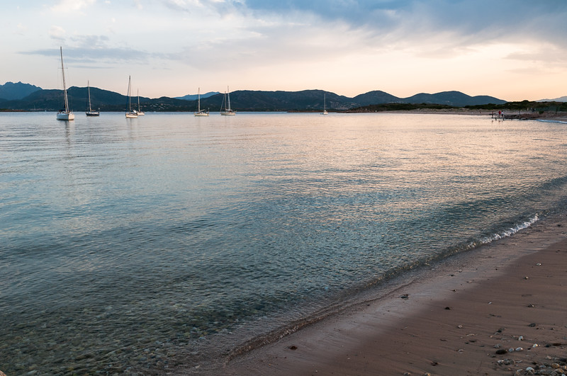 Olbia, Isola di Tavolara. Spiaggia di Spalmatore di Terra al tramonto.