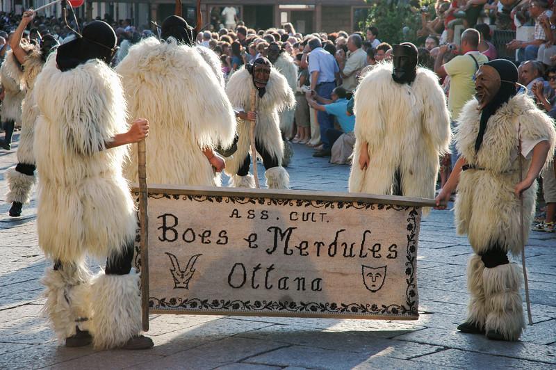Maschere tradizionali sarde: boes et merdules di Ottana