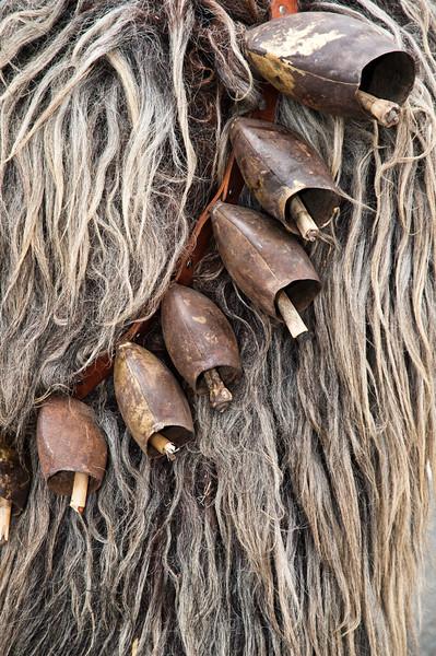 Maschere tradizionali della Sardegna: i campanacci sono parte integrante delle maschere di molti paesi di tutta l'isola.