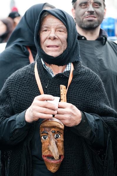 Sardinia, Italy: traditional carnival masks / Maschere tradizionali della Sardegna: Su Harrasehare Lodinesu, Lodine