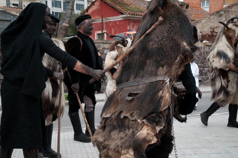 Sardinia, Italy: traditional carnival masks - Maschere tradizionali della Sardegna: S'urtzu e sos Bardianos di Ula' Tirso
