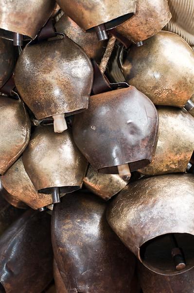 Maschere tradizionali della Sardegna: i campanacci sono parte integrante delle maschere di molti paesi di tutta l'isola. (ENG) Sardinian traditional masks: the typical bells used in most of the sardinian carnival dress.