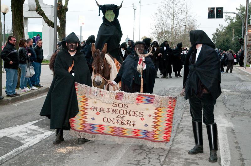 Sardinia, Italy: traditional carnival masks - Maschere tradizionali della Sardegna: Sos Maimones di Oniferi