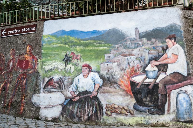 Murales nel centro di Gavoi, uno dei principali paesi della Barbagia.