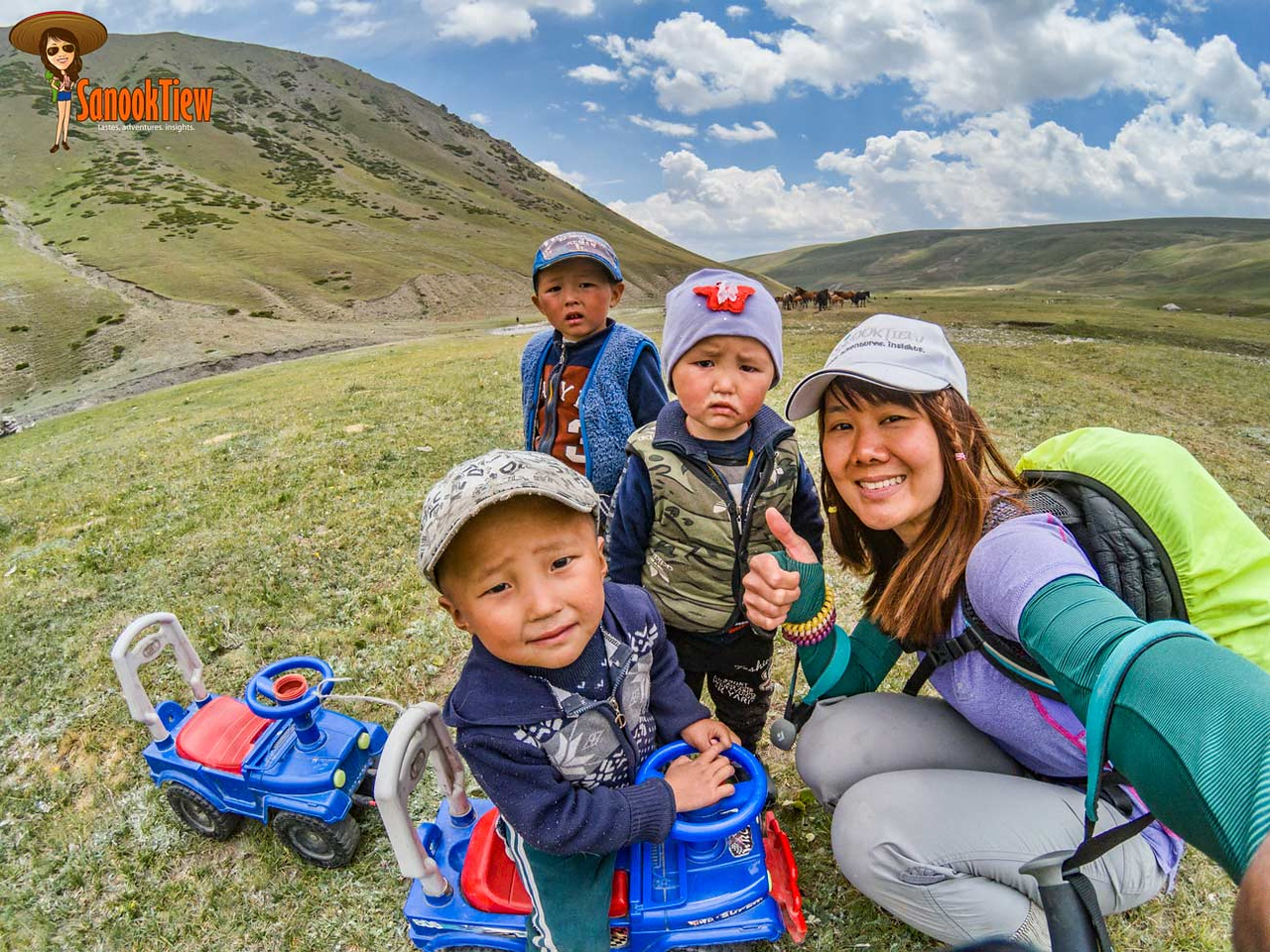 Sary Mogol Pass, Heights of Alay Trek, Sary Mogol, Krygyzstan คีร์กีซสถาน