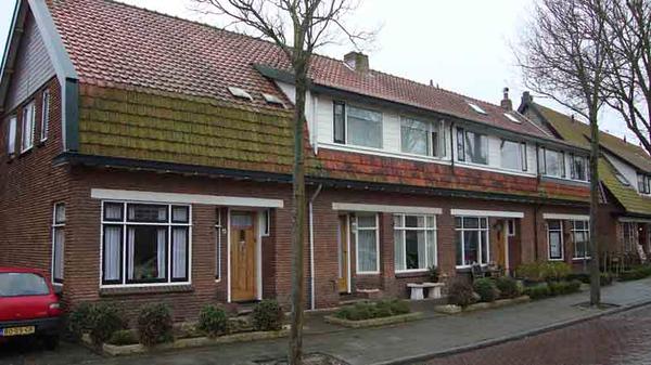 Adelborst van Leeuwenlaan 34-40, foto 2012<br /> <br /> ref.nr: S1429