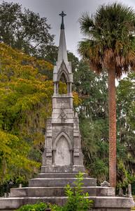 grave-monument-palm-tree