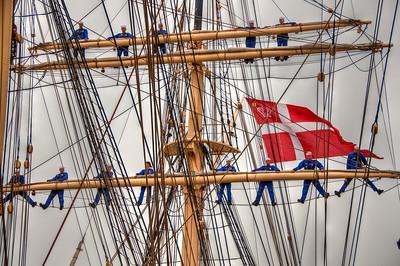 danish-sail-boat-mast-sailors