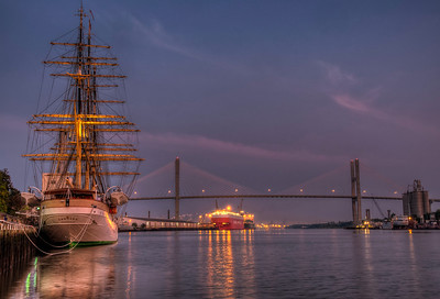 savannah-river-bridge-boats