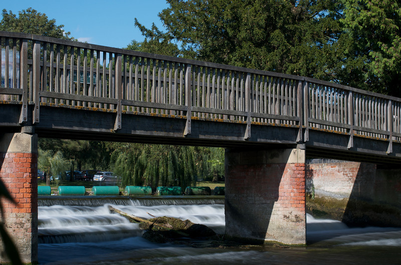 Bedford Embankment weir