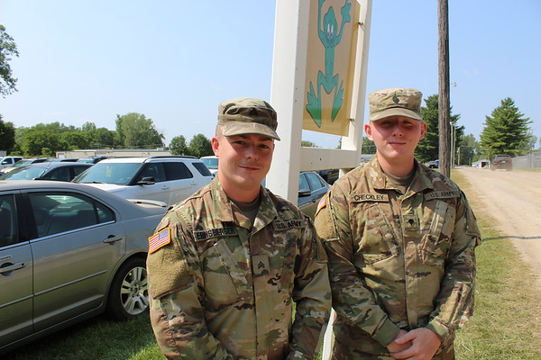 CAMDEN CHAFFEE | THE GOSHEN NEWS<br /> Sargeant Rutger Ernsberger and and Specialist Zachary Checkley