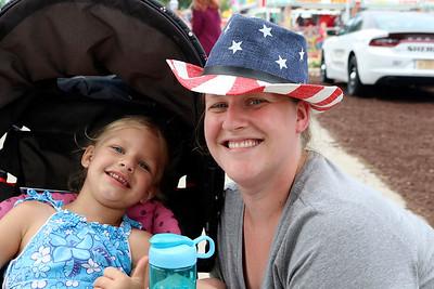 JOHN KLINE | THE GOSHEN NEWS Rikki Thompson and Eliora Thompson, 3, both of Elkhart