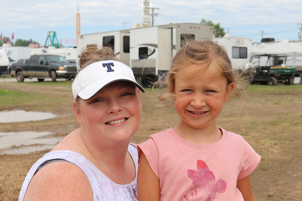 JOHN KLINE | THE GOSHEN NEWS<br /> Amber Wilson and Charlotte Higley, 5, both of Elkhart