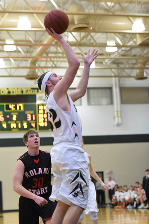 Boys Basketball - Roland Story 2016 078