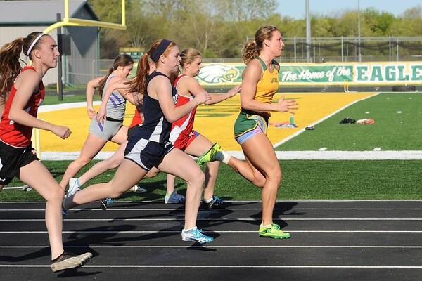 Girls Track @ Saydel 2015 100