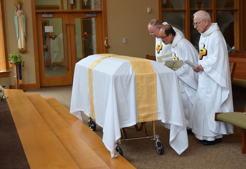 Dn. David, Fr. Quang and Fr. John were the main celebrants