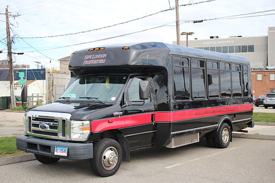 New London Firefighters Pipes & Drums bus