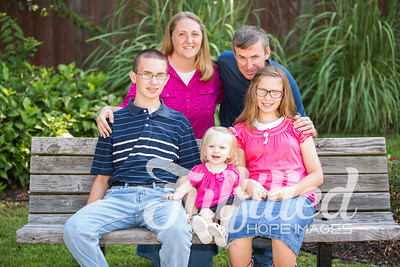 Scales Family Portraits 2017 (30)