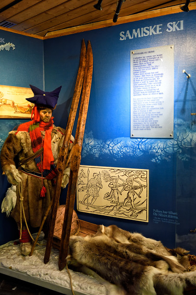 What the well-dressed cross country ski travel wore in the middle ages.