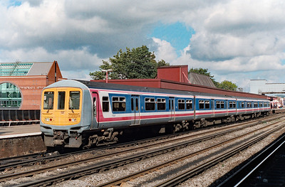 319 009 at Redhill on 27th September 1996