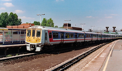 319 186 at East Croydon on 18th June 1999
