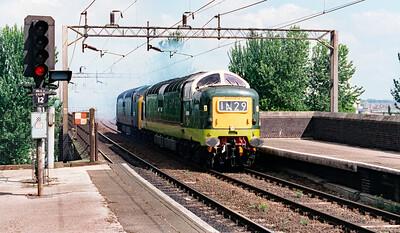 D9009 (55009) at Runcorn on 15th May 1999