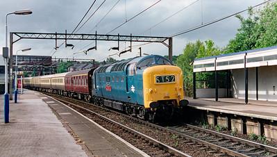 55 019 at Runcorn on 17th May 1999