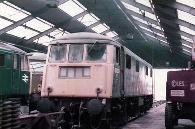 83012 inside Willesden TMD  27/08/84.