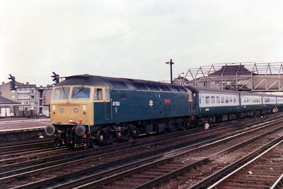 47500 passes Clapham Junction  with an express to the west country  21/09/84.