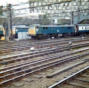86244 arrives into Euston.