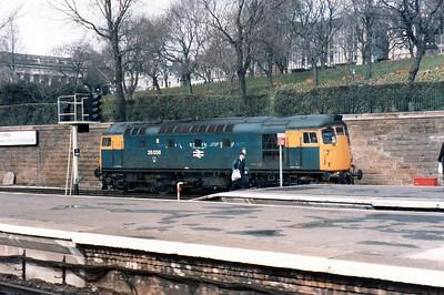 27036 Edinburgh Waverley.
