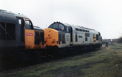 37899 'Sir Gorllewin Morgannwg / County of West Glamorgan' at Barry stabling point.
