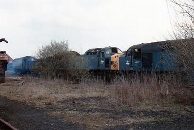 40127 & 1 UID Class 40, Swindon Works (ZL).