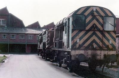 (L-R) 08574 & 08674 Swindon Works (ZL).