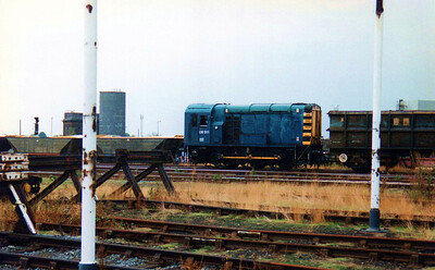 08511 in Totons West Yard on a rake of SSAs with 470001 in view.
