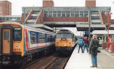 47819 arrives Stevenage on 1Z31 Kings Cross - Immingham 'Castor & Pollocks' Railtour  26/06/93